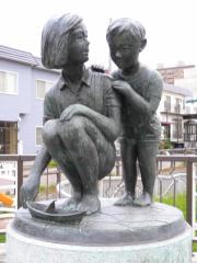 彫刻「ささ舟」
