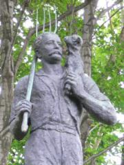 エドウィン・ダン像