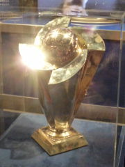 WBC優勝トロフィー