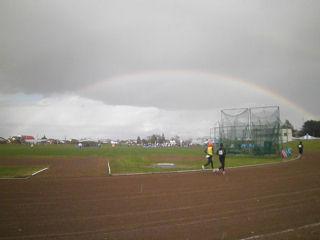 別海パイロットマラソンゴールでの虹
